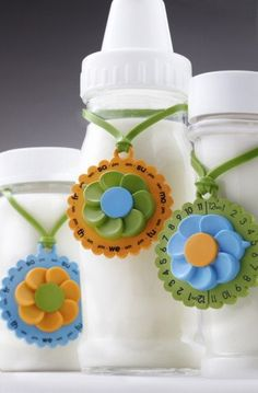 No more tape and pen, no more sticky notes that smear and fall off, no more grease pencils. Just dial in the day your breast milk was pumped (and time if you want to be exact), hang the MilkCharm on the bottle, put it in the fridge, and go take a nap! The time side also works great for storing breast milk at room temperature, formula in the fridge, or forbottlesthat baby didn't finish drinking. Plus, the MilkCharm can be used for tracking the freshness of baby food and manyother foo...