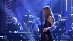 SUPERB ! :-O - Céline Dion The Show Must Go On - Jimmy Fallon 2016