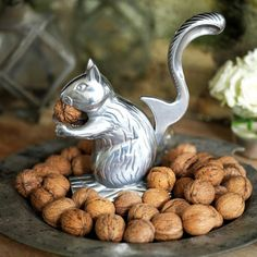 squirrel nutcracker. want. (I've seen these at World Market Cost Plus for <$20.) score.