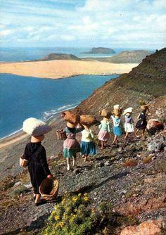 Bajando el Risco de Famara. 1970