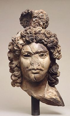Pakistan (Peshawar region) - 2nd cent. Prince Siddhartha (George Ortiz Collection, marble)