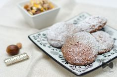 I biscotti con muesli, zucchero a velo e noce moscata