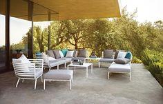 Sweet 60s: Outdoor-Designermöbel im Midcentury-Stil passen perfekt zur Architektur der Moderne.