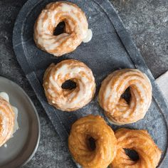 French Crullers with Citrus Glaze Classic Peanut Butter Cookies, Decadent Chocolate Cake, French Desserts, French Food, Choux Pastry, Thing 1, French Pastries, Italian Pastries, Glaze Recipe
