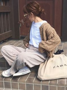 Cozy outfit just for you Korea Fashion, Asian Fashion, Look Fashion, Girl Fashion, Fashion Dresses, Shirts For Teens, Outfits For Teens, Fall Outfits, Casual Outfits