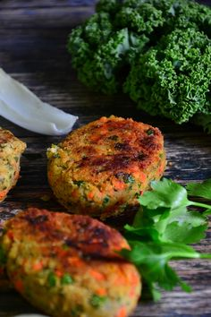 Vegan potato cutlets with carrots and peas. Vegan Patties, Salmon Croquettes, Potato Cutlets, Potato Recipes, Comfort Foods, Salmon Burgers, Carrots, Healthy Eating, Potatoes