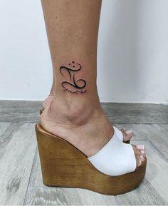 Horoscope Tattoos, Zodiac Tattoos, Symbol Tattoos, Gemini Tattoos, Tattoos For Women Flowers, Best Tattoos For Women, Tattoos For Kids, Gemini Symbol, Gemini Art