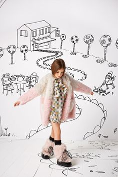 Fendi childrenswear at Chocolate Clothing. Young Fashion, Kids Fashion, Fendi, Winter Kids, Fall Winter, Fashion Catalogue, Fashion Moda, Kid Styles, Kind Mode