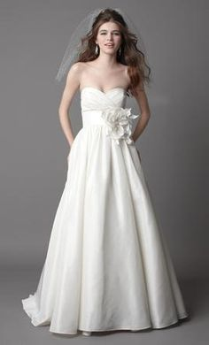 Wtoo Mimi/15828 8 find it for sale on PreOwnedWeddingDresses.com no to the great big flower