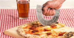 Pourquoi c'est top ? Parce qu'il est hors de question qu'on vous enlève la pizza de la bouche.   Parce que vous avez fait L.   Parce qu'on a enfin trouvé une utilité au rapporteur.