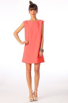 Robe Vincine Corail Clo by MonShowroom sur MonShowroom.com