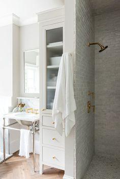 Traditional Interior, Traditional Bathroom, Traditional Baths, Bathroom Design Inspiration, Bathroom Interior Design, Bathroom Renos, Small Bathroom, Master Bathroom, Bathroom Ideas