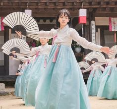 The Tale of Nokdu (조선로코 - 녹두전) Korean - Drama - Picture @ HanCinema :: The Korean Movie and Drama Database Korean Drama Movies, Korean Actors, Korean Dramas, Korean Traditional Dress, Traditional Dresses, Kdrama, Kim Sohyun, Moonlight Drawn By Clouds, Indie Movies