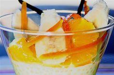 Perle du Japon Et Fruits au Sirop de Vanille Éplucher le gingembre et l'émincer.Faire chauffer le lait de coco avec le gingembre...
