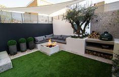 Patio and Outdoor Living Space Design Ideas Back Garden Design, Patio Design, Backyard Patio, Backyard Landscaping, Barbacoa Jardin, Townhouse Garden, Contemporary Garden, Pergola Shade, Terrace Garden