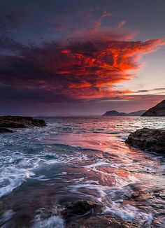 Check out this amazing nature landscape photography! Beautiful World, Beautiful Places, Beautiful Scenery, Beautiful Sunset, Beautiful Moments, Landscape Photography, Nature Photography, Storm Photography, Travel Photography