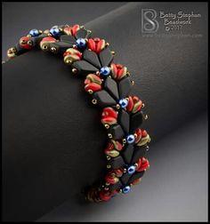 Beebeecraft Tutorials on how to make bracelet with pearlbeads. Beebeecraft Tutorials on how to make Bead Jewellery, Seed Bead Jewelry, Tiffany Jewellery, Beaded Bracelet Patterns, Beading Patterns, Seed Bead Bracelets, Jewelry Bracelets, Jewelry Crafts, Handmade Jewelry