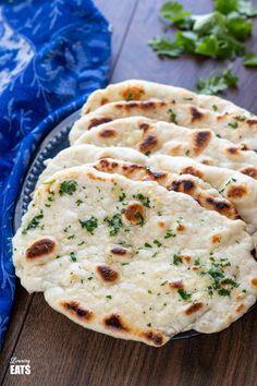Naan Bread Recipe Easy, Indian Naan Bread Recipe, Recipes With Naan Bread, Slimming World Vegetarian Recipes, Slimming Recipes, Vegetarian Meals, Slimmers World Recipes, Plain Naan, Comida India