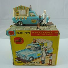 Original Boxed Corgi 447 Walls Ice Cream van and original ice cream salesperson and boy customer figures Only issued and therefore hard to find in good condition Very good condition with good inner and box, one end flap missing Vintage Toys 1970s, Vintage Toys For Sale, Vintage Robots, Retro Toys, 1960s Toys, Vintage Cars, 1970s Childhood, Ice Cream Van, Modern Toys