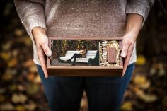The Woodland & Rectangle Photo Slide Box Bundle is perfect for housing 6 x 4 prints alongside a woodland USB.   Available in high quality maple or walnut wood.