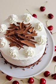 """Kiara`s cakes: Tarta """"Selva negra"""" / Black Forest Cake Lunch Recipes, Healthy Recipes, Mumbai Street Food, Dairy Free Diet, Black Forest Cake, Cooking Together, My Best Recipe, Gluten Free Recipes, Catering"""