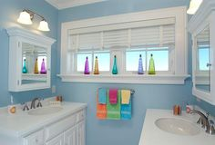 How to Clean Your Bathroom in 30 Minutes or Less- love the color combo in this bathroom!