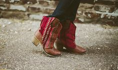 Make over beat-up winter boots. http://sincerelykinsey.blogspot.com/2012/10/rugged-sweater-boots-diy.html   10 DIY Ways To Survive Six More Weeks Of Winter