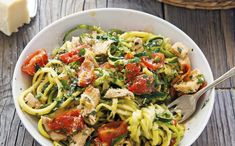 Citrónovo-cesnakové cukinové cestoviny s kuracím mäsom Lemon Garlic Chicken, Spaghetti, Ethnic Recipes, Food, Essen, Meals, Yemek, Noodle, Eten
