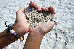 beach photo ideas-heart of sand