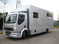 This 2004 #DAF LF 45/150 horsebox carries up to 3 horses | For sale on #HorseDeals