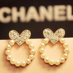 Heart and pearl small dangle Chanel earrings