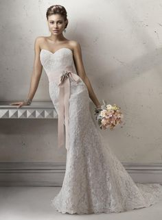 Maggie Sottero JENNIFER, $1,120 Size: 10 | New (Un-Altered) Wedding Dresses