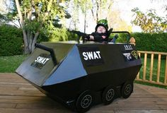 21 Awesomely Creative Costumes for People with Disabilities Halloween Cosplay, Halloween Costumes For Kids, Halloween Party, Halloween 2018, Halloween Outfits, Swat Costume, Wheelchair Costumes, Memories With Friends, Nerf War