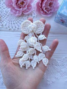 Captivating All About Crochet Ideas. Awe Inspiring All About Crochet Ideas. Crochet Snowflake Pattern, Crochet Flower Tutorial, Crochet Leaves, Crochet Snowflakes, Crochet Flower Patterns, Crochet Motif, Crochet Flowers, Crochet Designs, Crochet Doilies
