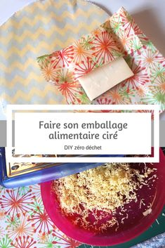 """Faire son emballage alimentaire cire - diy sero dechetFaire son emballage alimentaire cire - diy sero dechetSimple DIY Homemade Slippers for HomeDIY simple home slippers. Might be good for those with a """"no-shoe-rule"""" in their Christmas Paper Chains, Outdoor Christmas Decorations, Christmas Crafts For Kids, Simple Christmas, Bees Wrap, Cheap Candles, Diy Wax, Recycled Bottles, Snowman Crafts"""