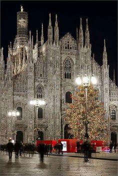 Milan Italia ...placeatosee