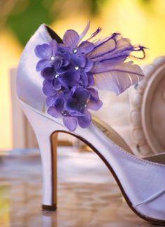 Shoe clips! Genius!  Custom made colors! http://sofisticata.etsy.com