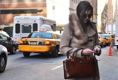 All Things Stylish Nyc Fashion, Girl Fashion, Fashion Outfits, Neon Clutch, Winter Chic, Sartorialist, Glam Girl, Camel Coat, City Girl