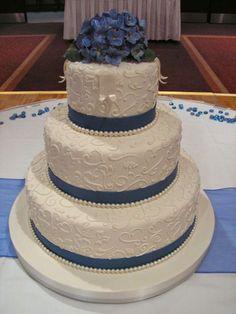 dark blue hydrangea/piped — Round Wedding Cakes