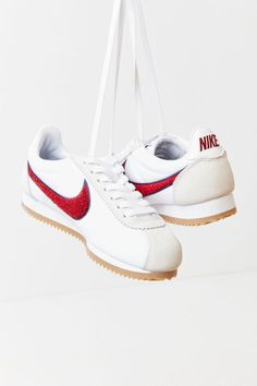 Nike classic cortez nylon sneaker in 2019 Nike Cortez, Nylons, Baskets, Nike Shoes, Shoes Sneakers, Oufits Casual, Nike Classic Cortez, Nike Swoosh Logo, Nike Outfits