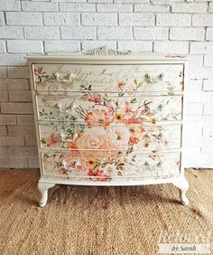 New Upcycled Furniture Diy Shabby Chic 58 Ideas Decoupage Furniture, Hand Painted Furniture, Funky Furniture, Refurbished Furniture, Paint Furniture, Repurposed Furniture, Shabby Chic Furniture, Furniture Projects, Furniture Makeover