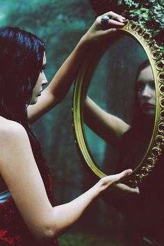 Breathtaking Photography by Kayleigh June Using the unseen side of the face to convey the true emotions via reflections was a ingenious way to approach this Foto Fantasy, Fantasy Kunst, Story Inspiration, Character Inspiration, Foto Mirror, Mirror Mirror, Mirrors, Magic Mirror, Mirror Ideas