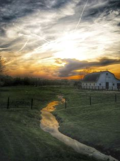 Truly stunning!  Spring sunset in Ohio Amish country (USA Today)
