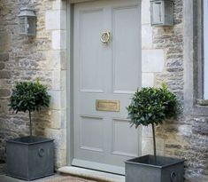 Front Door Paint Colors - Want a quick makeover? Paint your front door a different color. Here a pretty front door color ideas to improve your home's curb appeal and add more style! Front Door Entrance, House Front Door, Front Entrances, Entrance Ideas, Gray Front Doors, Door Ideas, Entrance Halls, Stone Front House, Country Front Door