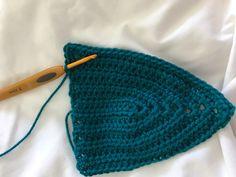 Free Step by Step Festival Crop Top Pattern - Taylor Lynn Crochet Cover Up, Diy Crochet, Crochet Bags, Crochet Summer Tops, Crochet Bikini Top, Crop Top Pattern, Step By Step Crochet, Festival Crop Tops, Crochet Clothes