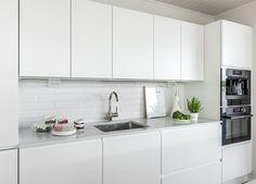 ASUNTOMESSUKOHDE 24 VILLA SUN – Puustellin Keittiögalleria Villa, Kitchen Cabinets, Sun, Home Decor, Decoration Home, Room Decor, Cabinets, Home Interior Design, Fork