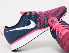 #Nike #Flyknit Trainer+ Blue Pink