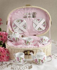 CHILDREN'S TEA SET FOR 2