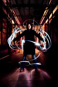 100 Smashing Examples of Light Painting Photography (Get A Break From Work Already) Light Painting Photography, Shadow Photography, Night Photography, Fine Art Photography, Photography Tips, Exposure Photography, Graffiti Photography, Photography Projects, Creative Photography