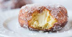 Vanilla cream-filled donuts from Brown-Eyed Baker Breakfast Recipes, Dessert Recipes, Brunch Recipes, Vanilla Cream, Vanilla Buttercream, Doughnuts, Baked Donuts, Sweet Tooth, Sweet Treats